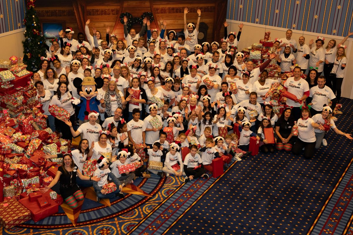 Disney Family Volunteer Day Creating Moments of Comfort for 1500 Children in Hospital