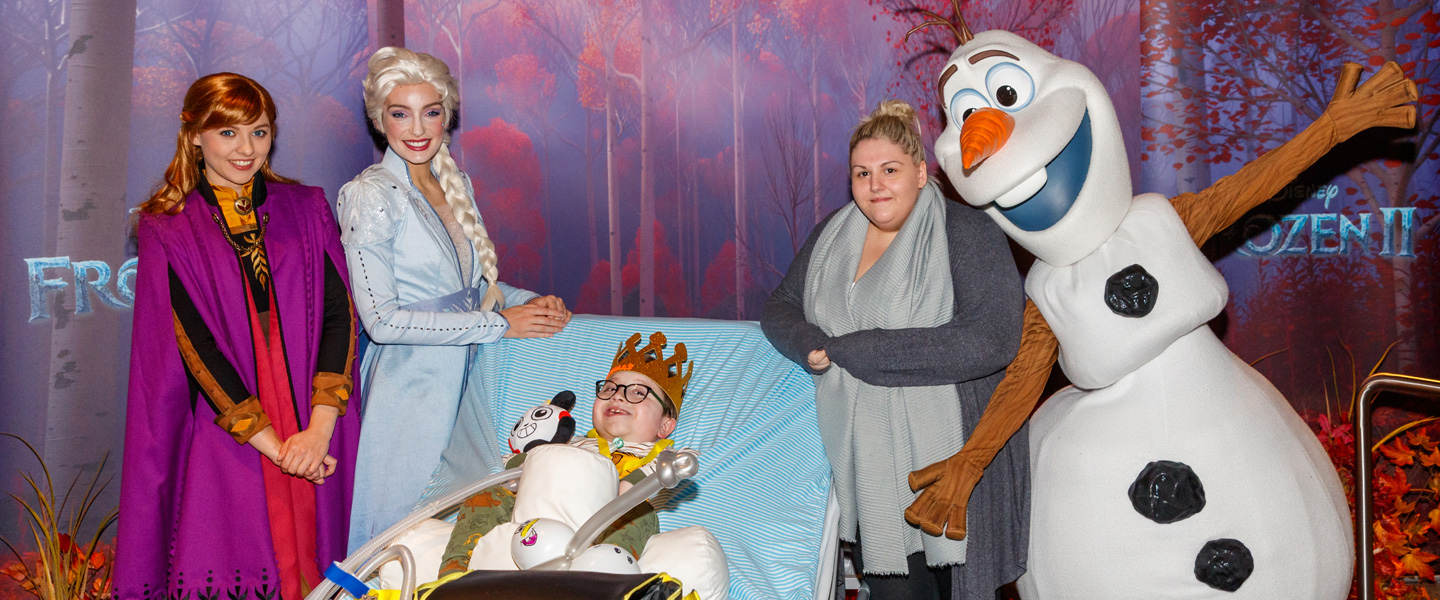 Anna, Elsa and Olaf bring warmth to a special Frozen 2 MediCinema screening for seriously ill children