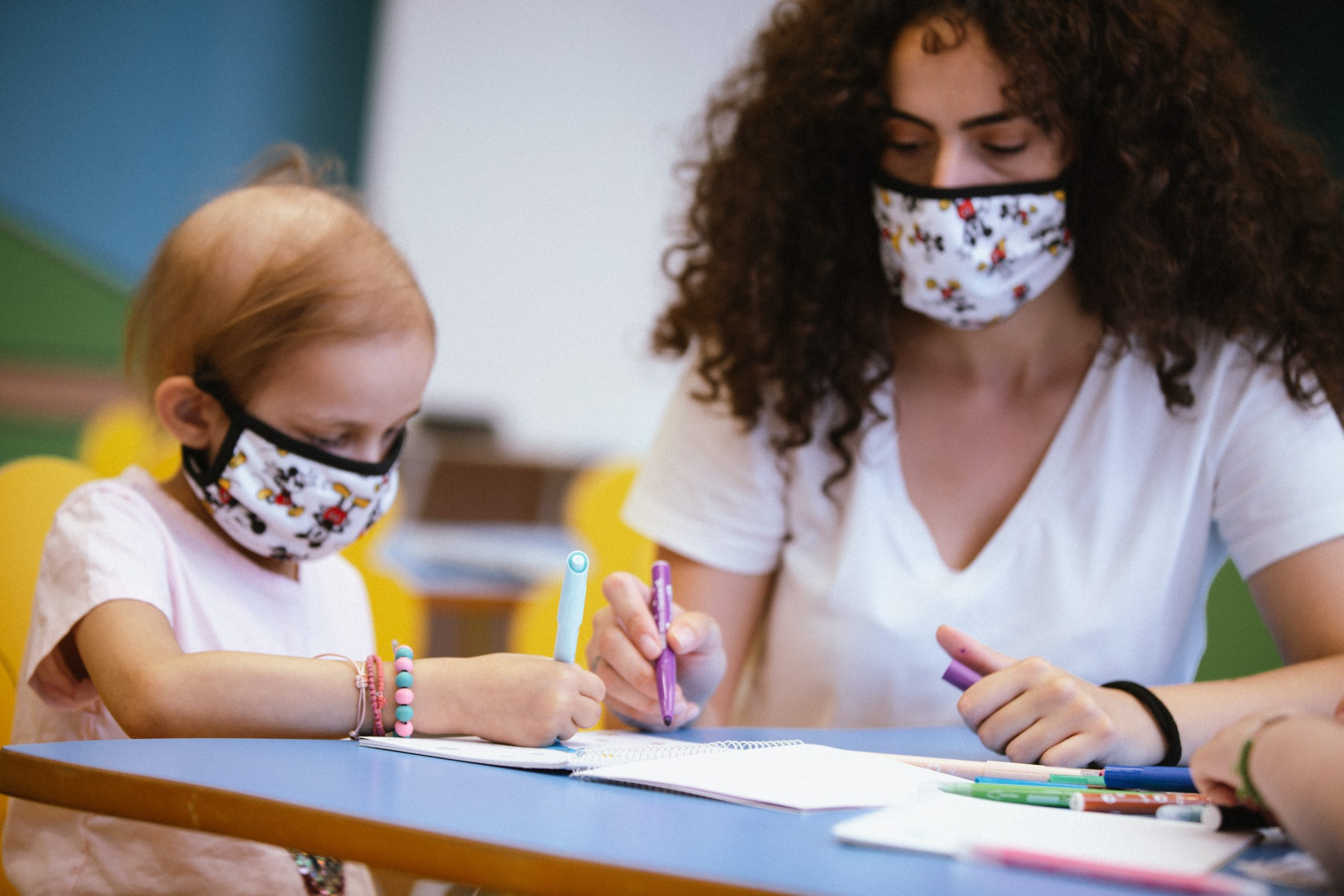 """Disney Donates Face Coverings to the """"ELPIDA"""" Association of Friends of Children with Cancer across Greece"""